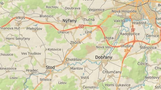 Nehoda se stala v Chotěšově na hlavním tahu z Plzně na Domažlice.