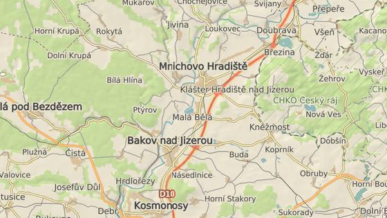 Autobus shořel na D10 nedaleko Mnichova Hradiště.