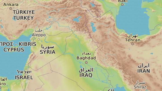 Hamadán (červená značka), Rakká (modrá) a Aleppo (žlutá)