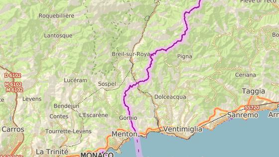 Herrou pomáhal uprchlíkům z italského města Ventimiglia (modře), do francouzského Breil-sur-Roya (červeně). Města jsou vzdálena asi 24 kilometrů.