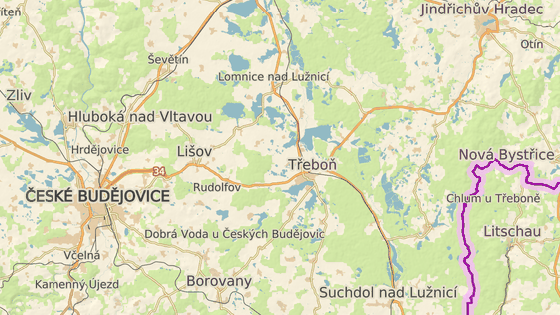 Lišov a nedaleké Štěpánovice protíná hlavní tah z Českých Budějovic na Jindřichův Hradec.