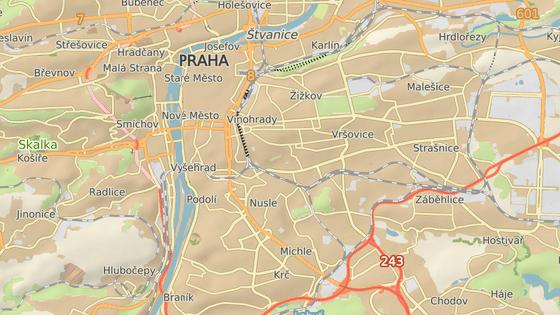 Z Jeseniovy ulice (červeně) by se mohla iniciativa přestěhovat do Znojemské (modře).
