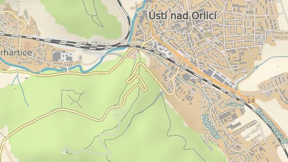 Trasa závodu Ústecká 21. Zelená značka je místo startu, červená cíl pod rozhlednou Andrlův chlum.