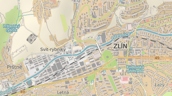 Nadjezd přivádí do centra dopravu z největšího zlínského sídliště Jižní Svahy.
