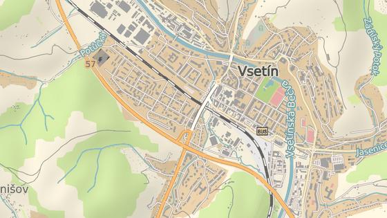 Nadjezd Pionýrů přivádí do Vsetína dopravu od Zlína, Valašského Meziříčí a částečně i od Slovenska.