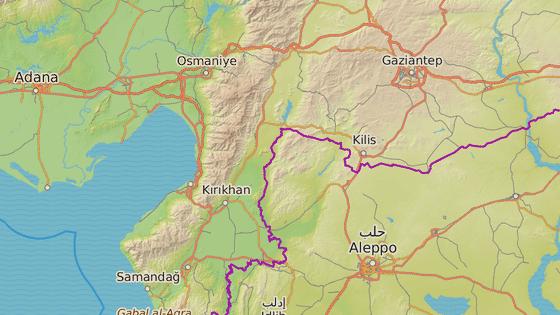 Školní autobus havaroval v Osmaniye (červená) cestou do Iskenderunu (modrá).