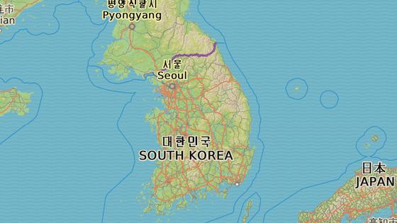 Evakuace začne v Soulu (červeně), pokračuje směrem na jih přes Pchjongtchek (modře), Tegu (oranžově),  Kimhe (růžově) a letecky na Okinawu.