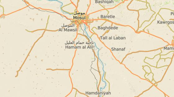 Kajára (červeně) se nachází asi 60 kilometrů jižně od Mosulu