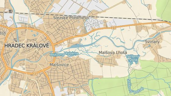 Kvůli uzavřenému mostu dojde k odložení opravy silnice z Malšovic ke Stříbrnému rybníku (mezi modrými značkami).