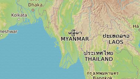 Barma soused� s Banglad�em, Thajskem, Laosem a ��nou na severu.
