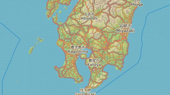 Červeně sopka Sakuradžima, radioaktivní symbol značí polohu elektrárny Sendai