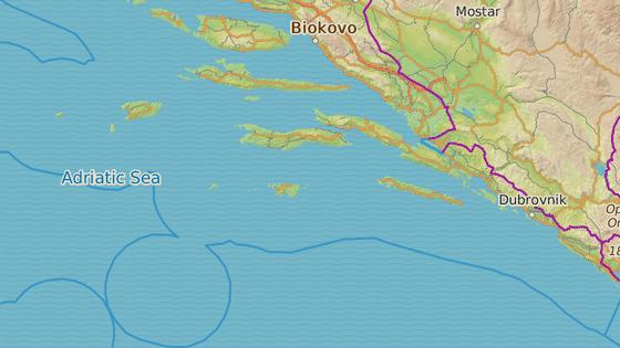 Palagruža je ostrůvek uprostřed Jaderského moře.