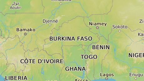 Burkina Faso, africk� st�t, kter� soused� na z�pad� s Mali, na v�chod� s Nigerem a na jihu s Ghanou a Pob�e��m slonoviny.