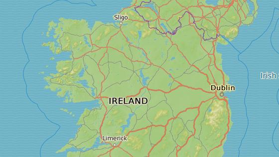 Acaill u západního pobřeží Irska v hrabství Mayo je rozlohou 148 km čtverečních největší z ostrovů u irského pobřeží. Od hlavního ostrova je oddělen úzkým průlivem, přes který vede otočný most.