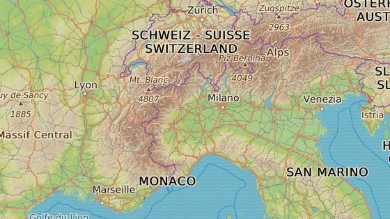 Como (červeně) a Ventimiglia (modře)