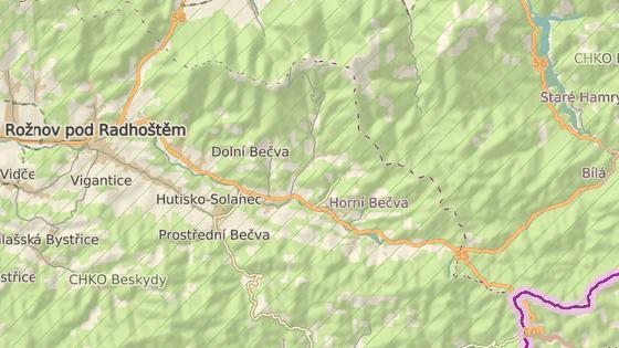 Silnice z Rožnova pod Radhoštěm směrem na Slovensko vede přes několik obcí.
